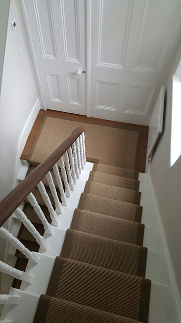 BROWN-STAIR-RUNNER-WITH-BROWN-BORDER-02
