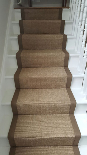 BROWN-STAIR-RUNNER-WITH-BROWN-BORDER-10
