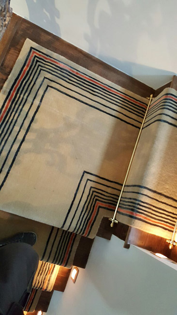 Beige-Carpet-Runner-with-Some-Stripes-02