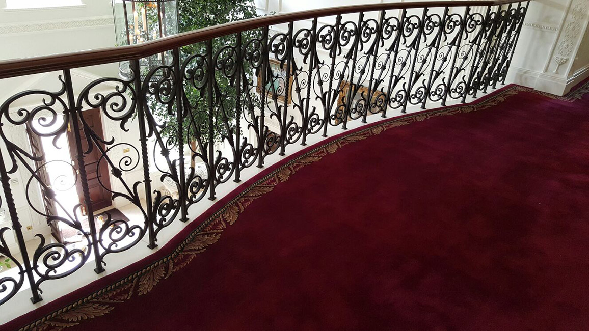 red-stair-carpet-with-border-03