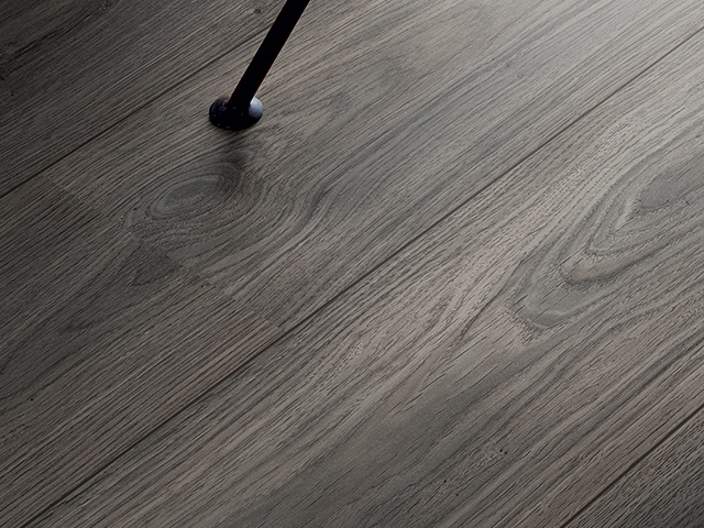 Classic plank 2v l0x04 01805 the flooring group for Laminate flooring waterloo