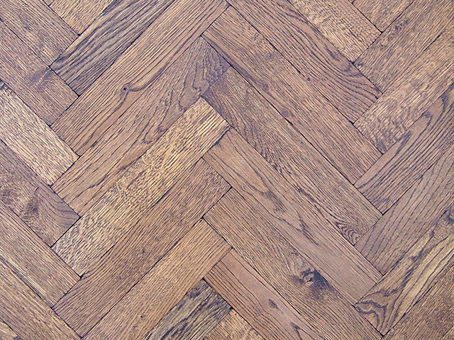 Rover's Flooring – Special Design Floors – Oak Distressed Herringbone Block
