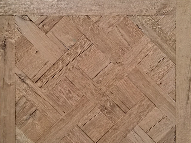 Rover's Flooring – Special Design Floors – Ripped Oak Versailles panel