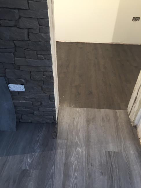 portfolio smooth floors rooms amtico dark wood installation 01