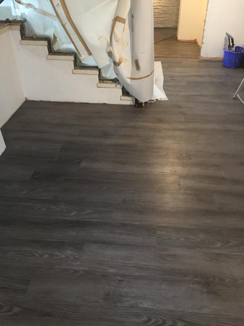 portfolio smooth floors rooms amtico dark wood installation 04