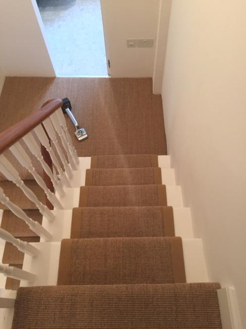 portfolio-carpets-brown-carpet-border-stairs-05