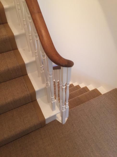 portfolio-carpets-brown-carpet-border-stairs-06