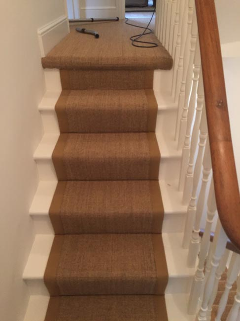 portfolio-carpets-brown-carpet-border-stairs-07