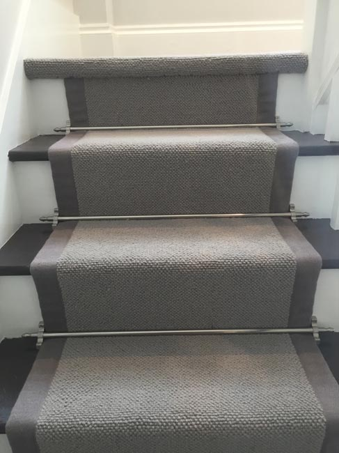 portfolio-carpets-grey-stair-carpet-with-grey-border-02