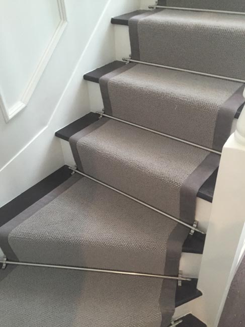 portfolio-carpets-grey-stair-carpet-with-grey-border-04