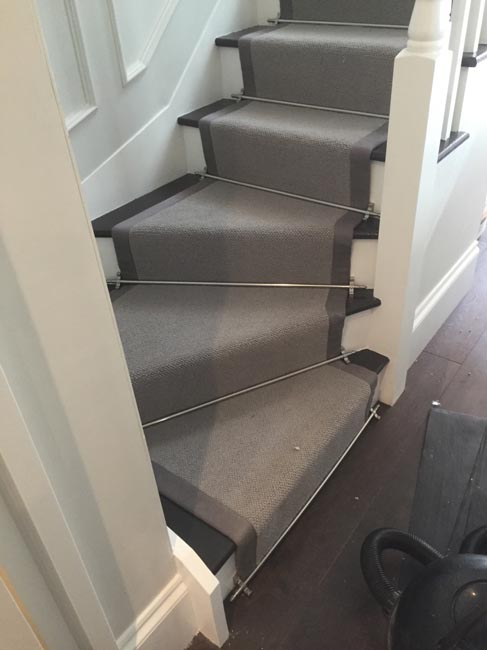 portfolio-carpets-grey-stair-carpet-with-grey-border-06