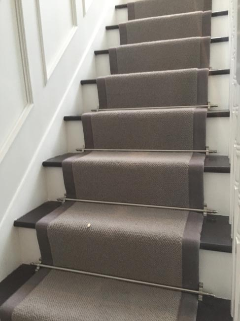 portfolio-carpets-grey-stair-carpet-with-grey-border-07