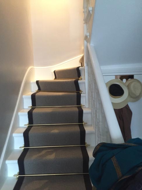 portfolio carpets grey stairs black border golden stairrods 03