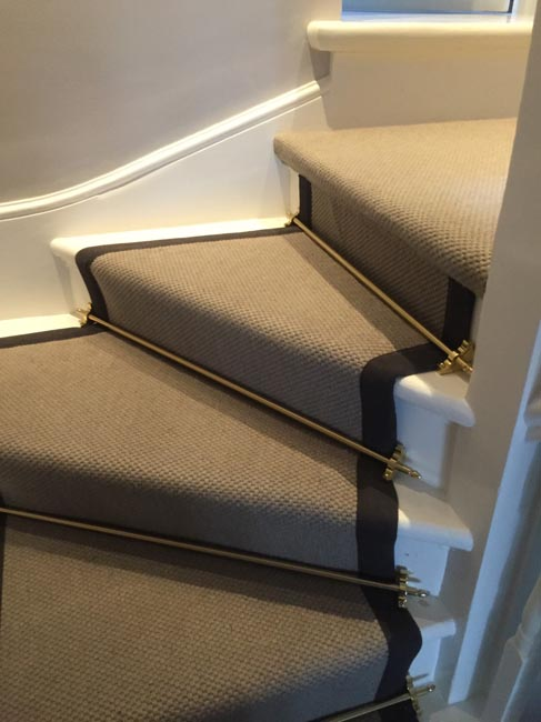 portfolio carpets grey stairs black border golden stairrods 04