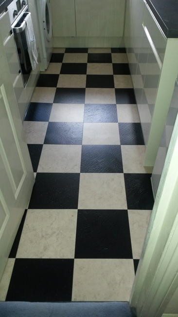portfolio-smooth-floors-black-and-white-amtico-tiles-01