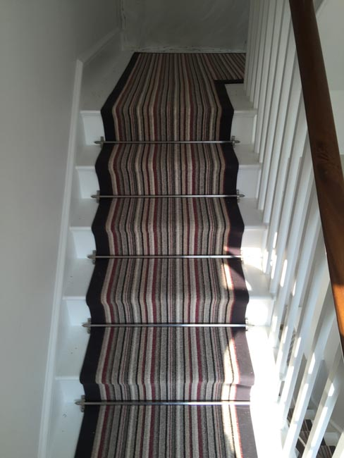 portfolio-carpets-striped-stair-with-thick-black-border-02