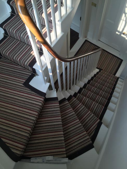 portfolio-carpets-striped-stair-with-thick-black-border-04