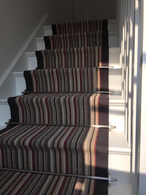 portfolio-carpets-striped-stair-with-thick-black-border-05