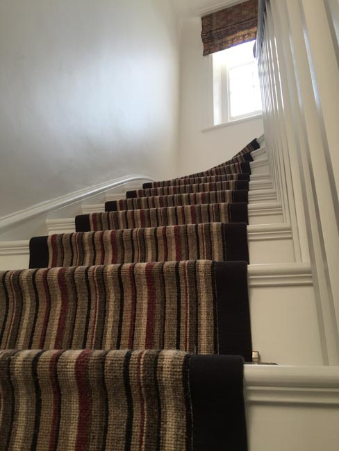 portfolio-carpets-striped-stair-with-thick-black-border-07