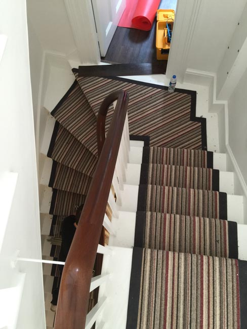 portfolio-carpets-striped-stair-with-thick-black-border-10