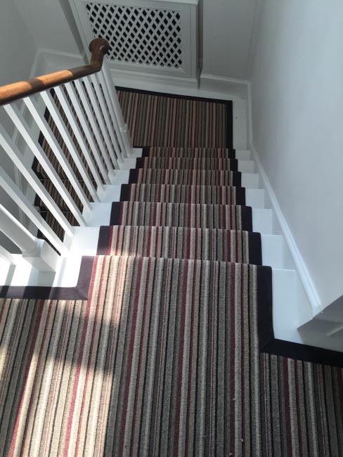 portfolio-carpets-striped-stair-with-thick-black-border-12