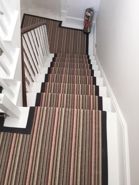 portfolio-carpets-striped-stair-with-thick-black-border-14