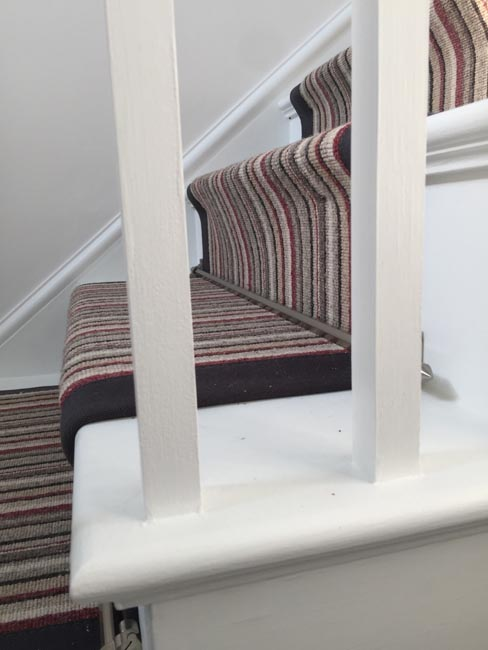 portfolio-carpets-striped-stair-with-thick-black-border-18