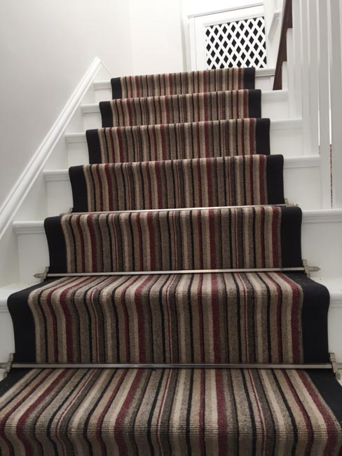 portfolio-carpets-striped-stair-with-thick-black-border-19
