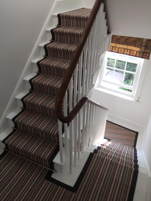 portfolio-carpets-striped-stair-with-thick-black-border-20
