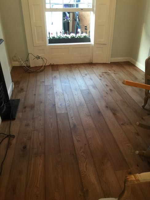 portfolio-hardwood-floors-brown-oak-wood-floor-installation-01
