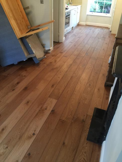 portfolio-hardwood-floors-brown-oak-wood-floor-installation-03