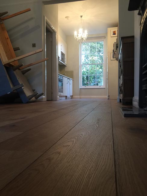 portfolio-hardwood-floors-brown-oak-wood-floor-installation-04