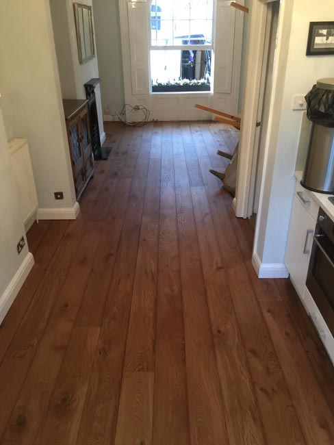 portfolio-hardwood-floors-brown-oak-wood-floor-installation-07