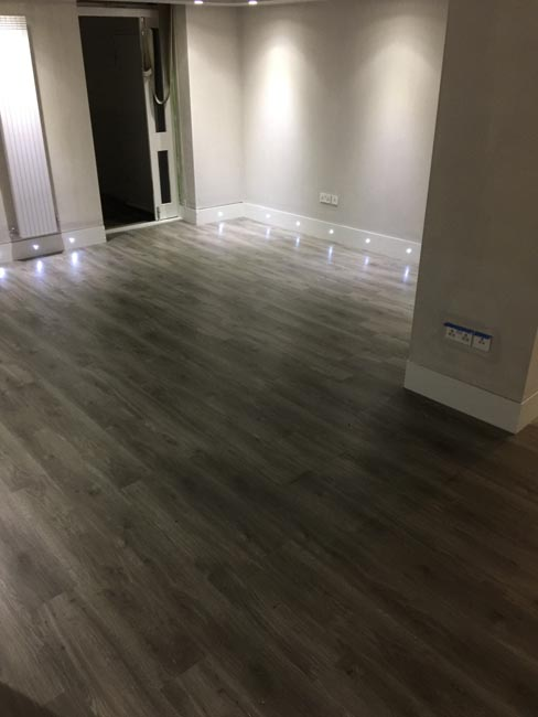 portfolio-smooth-floors-rooms-amtico-grey-wood-installation-11