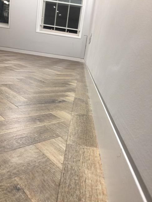 portfolio-smooth-floors-rooms-amtico-herringbone-design-08