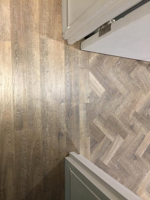 portfolio-smooth-floors-rooms-amtico-herringbone-design-09