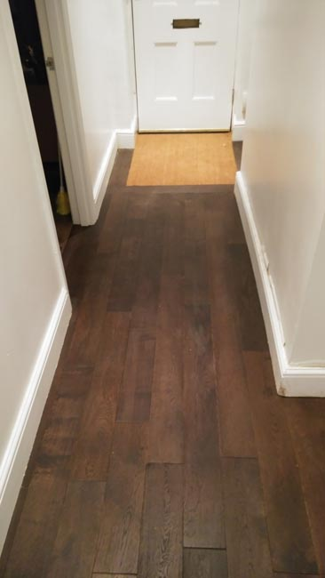 portfolio-hardwood-flooring-hallway-in-dark-brown-staiend-oak-01