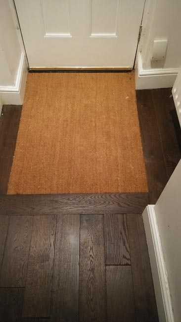 portfolio-hardwood-flooring-hallway-in-dark-brown-staiend-oak-02