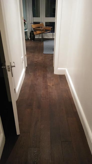 portfolio-hardwood-flooring-hallway-in-dark-brown-staiend-oak-03