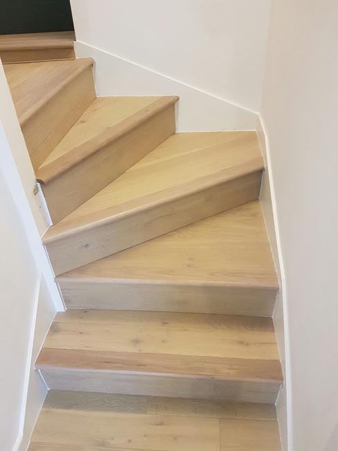 portfolio-hardwood-floors-wood-stairs-installation-01