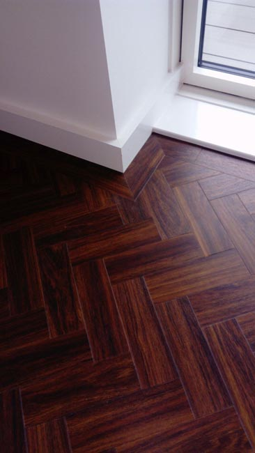 portfolio-smooth-floors-amtico-herringbone-installation-02