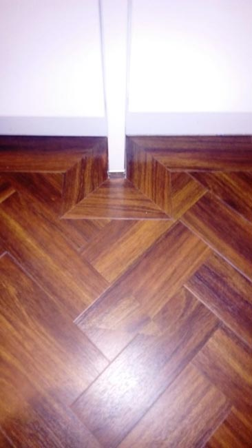 portfolio-smooth-floors-amtico-herringbone-installation-05