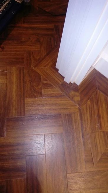 portfolio-smooth-floors-amtico-herringbone-installation-06