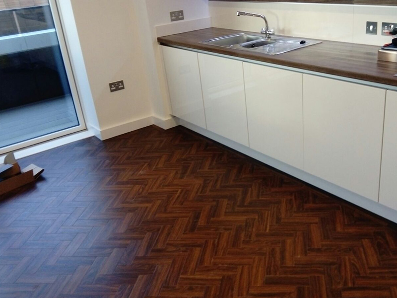 portfolio-smooth-floors-amtico-herringbone-installation