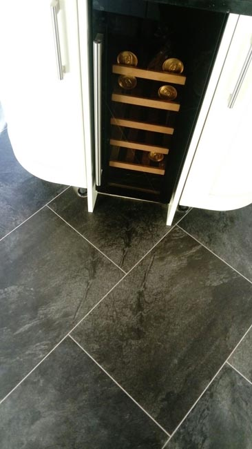 portfolio-smooth-floors-amtico-stone-slate-design-on-floor-02