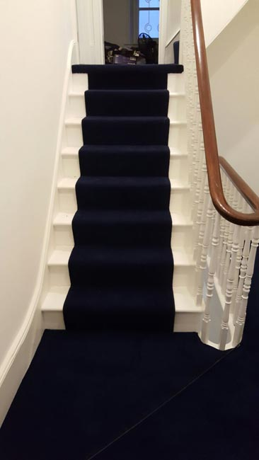 portfolio-carpets-dark-blue-carpet-stairs-and-landings-01