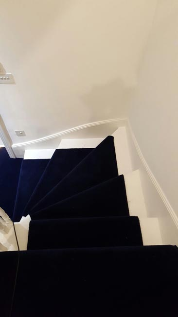 portfolio-carpets-dark-blue-carpet-stairs-and-landings-02