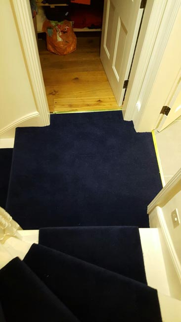 portfolio-carpets-dark-blue-carpet-stairs-and-landings-09