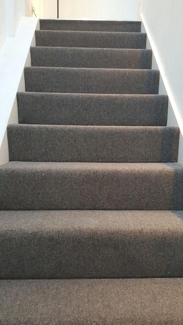 portfolio-carpets-grey-carpet-installed-to-a-clients-premises-02