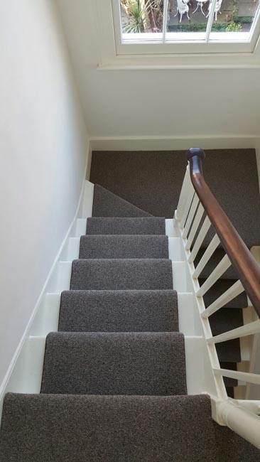portfolio-carpets-grey-carpet-installed-to-a-clients-premises-03